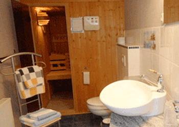 mecklenburg vorpommern bei krakow am see ferienhaus bi zu 4 6 personen. Black Bedroom Furniture Sets. Home Design Ideas